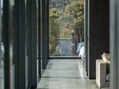 Bendigo Terrace interior hallway with polished concrete floors